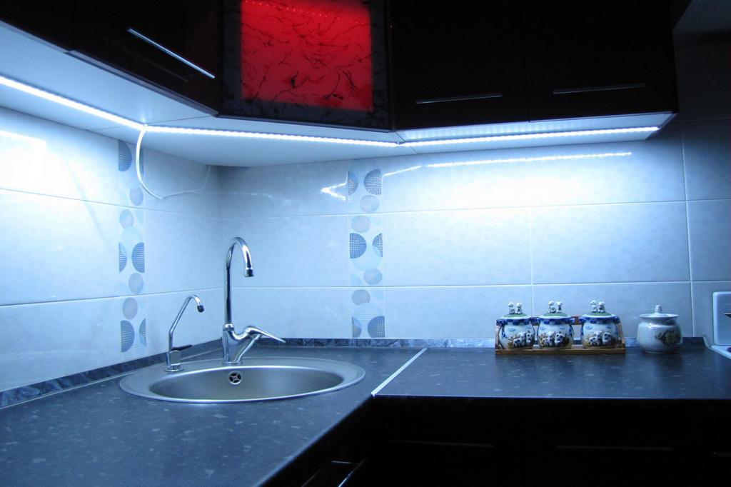 подсветка кухни в Киеве